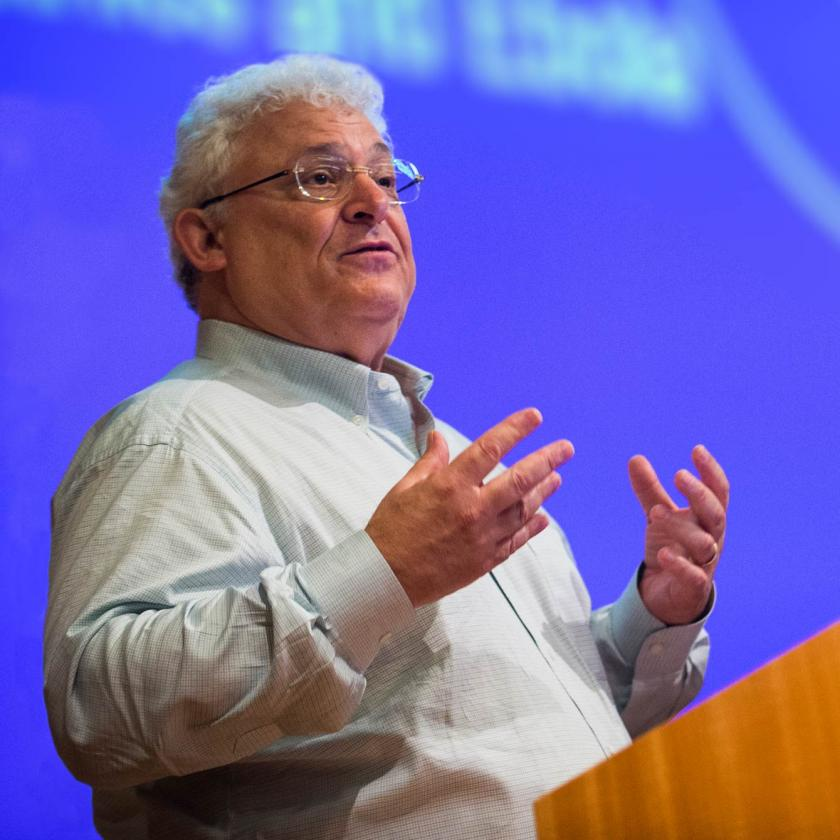 Dr. Arthur Caplan Gives Lecture on Ebola Virus